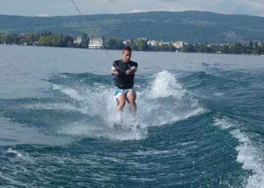 Baptême-ski-nautique-lac-dAnnecy