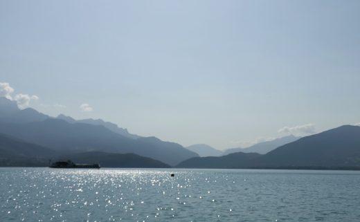 Panorama sur le lac d'Annecy