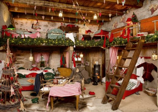 Hameau-du-Père-Noel-chambre-lutin-P.LEBEAU