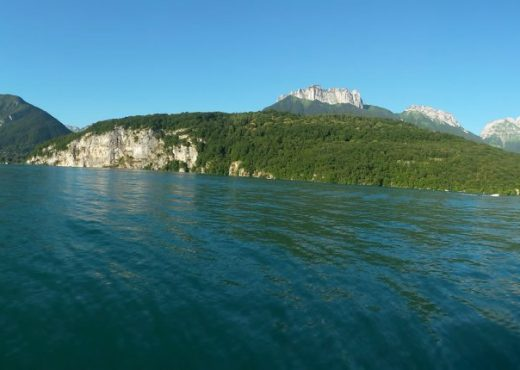 Lounge-boat-lac-annecy-1030x430