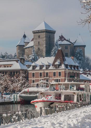Le port d'Annecy sous la neige
