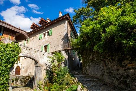 Belle demeure à Menthon-Saint-Bernard