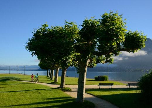 Détour en vélo sur les bords du lac