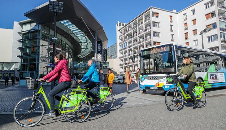 Le_centre-ville_d_Annecy_a_velo-Grand_Annecy___JM_Favre-730-420px