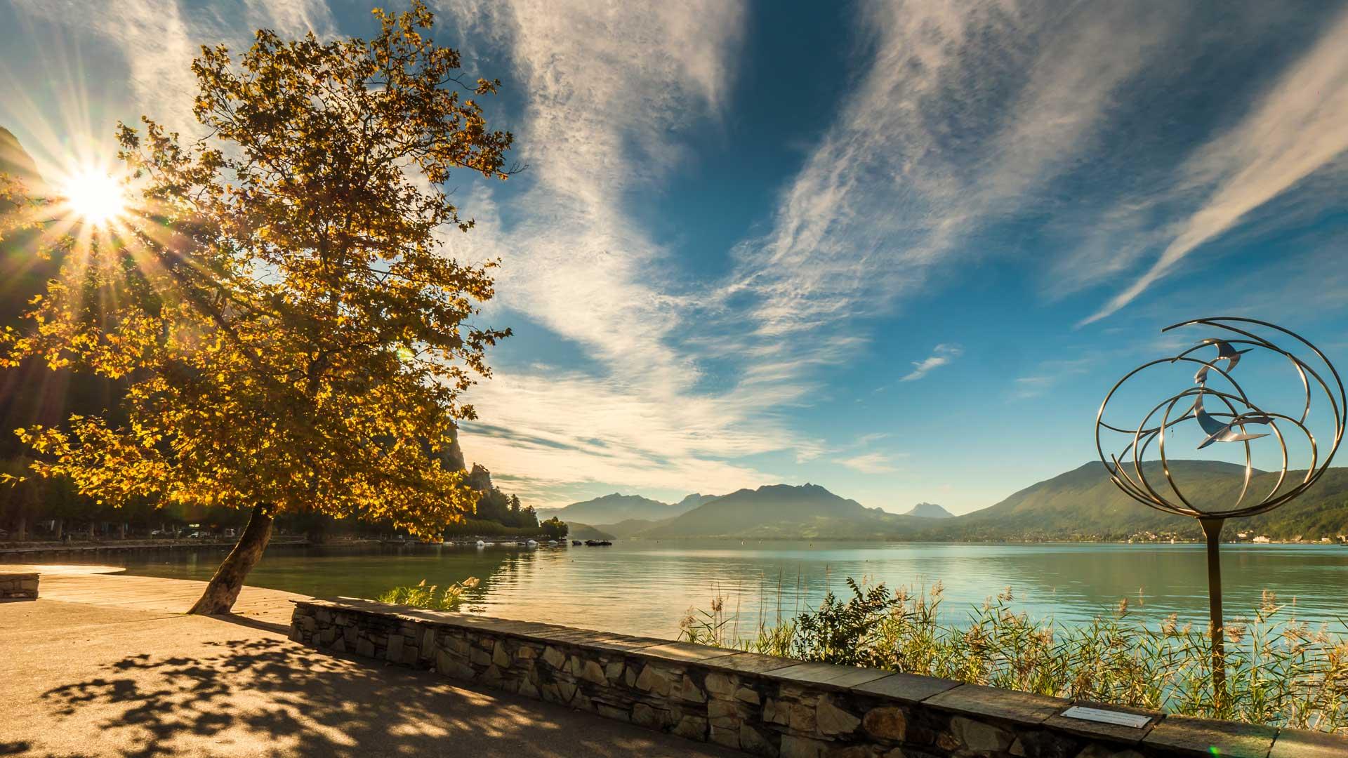 Vue du lac depuis Annecy-le-Vieux